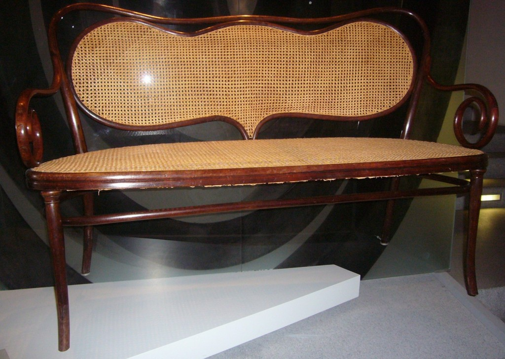 Munich the beauty of thonet style wise trend for Sofa munchen design